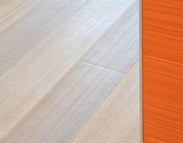 Паркетная доска беленый дуб, фаска, ширина 150мм, палубный набор.