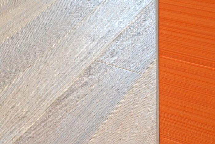 Паркетная доска беленый дуб, фаска, ширина 150мм, палубный набор