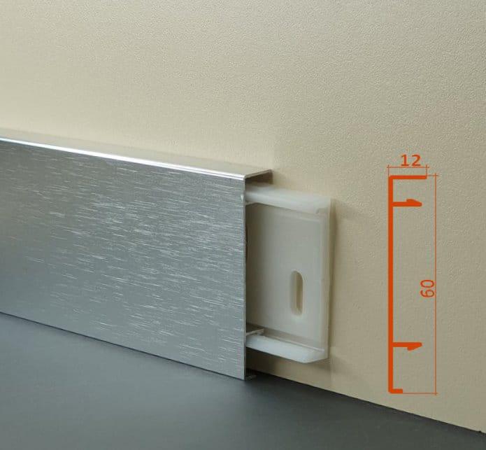 Плінус алюмінієвий декоративний анод полірований, браширований Silver Brush (ASB) 60х12х2500 мм